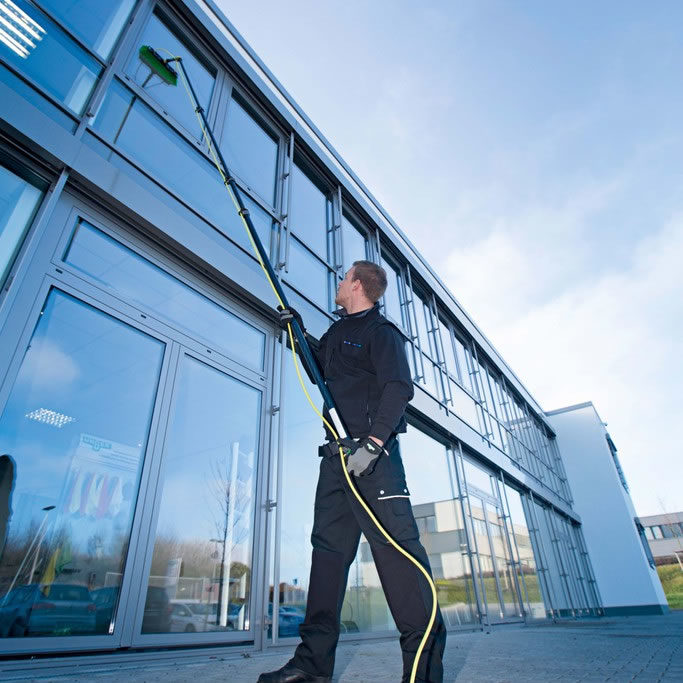water-fed-pole-window-cleaning